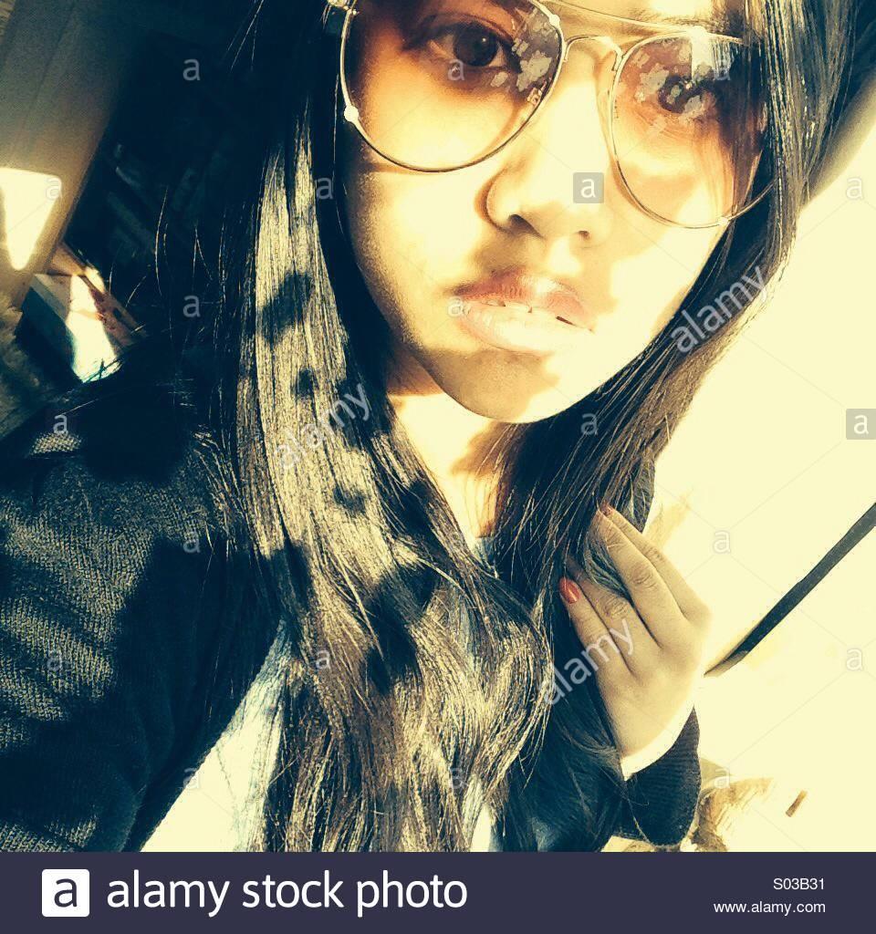 Sonnenbrillen und Schatten Stockbild