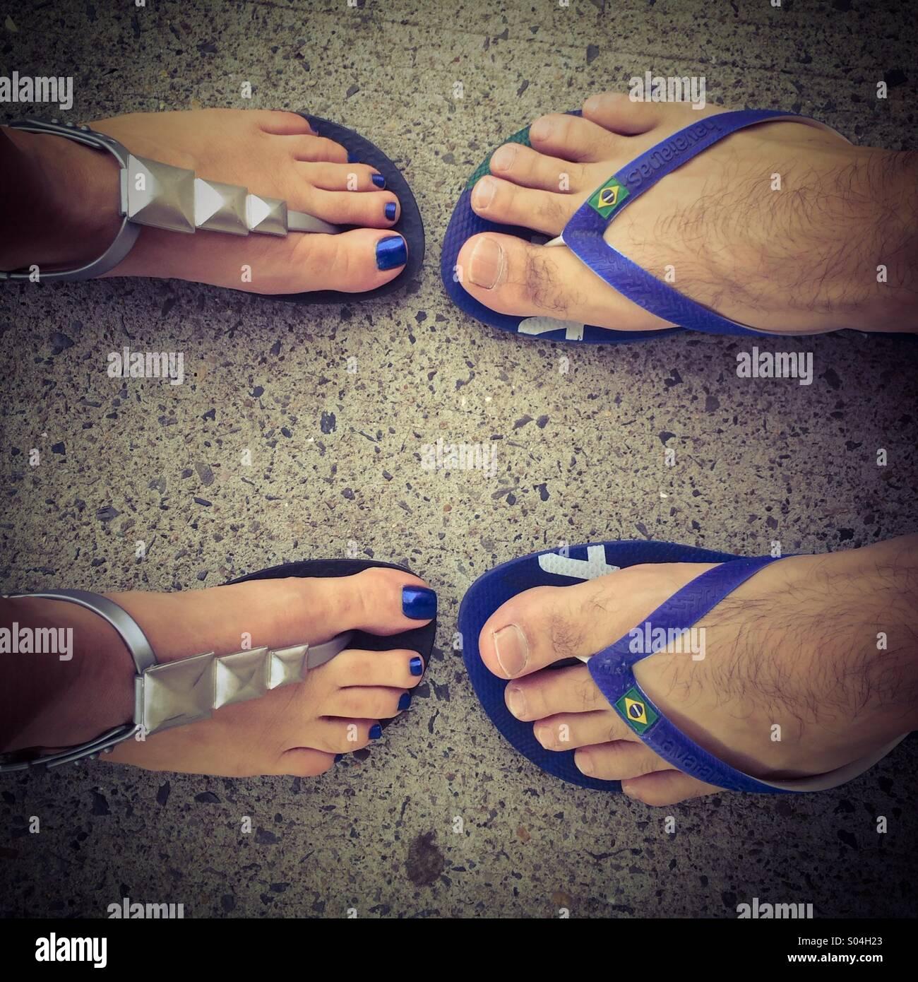 Passende Füße Stockfoto
