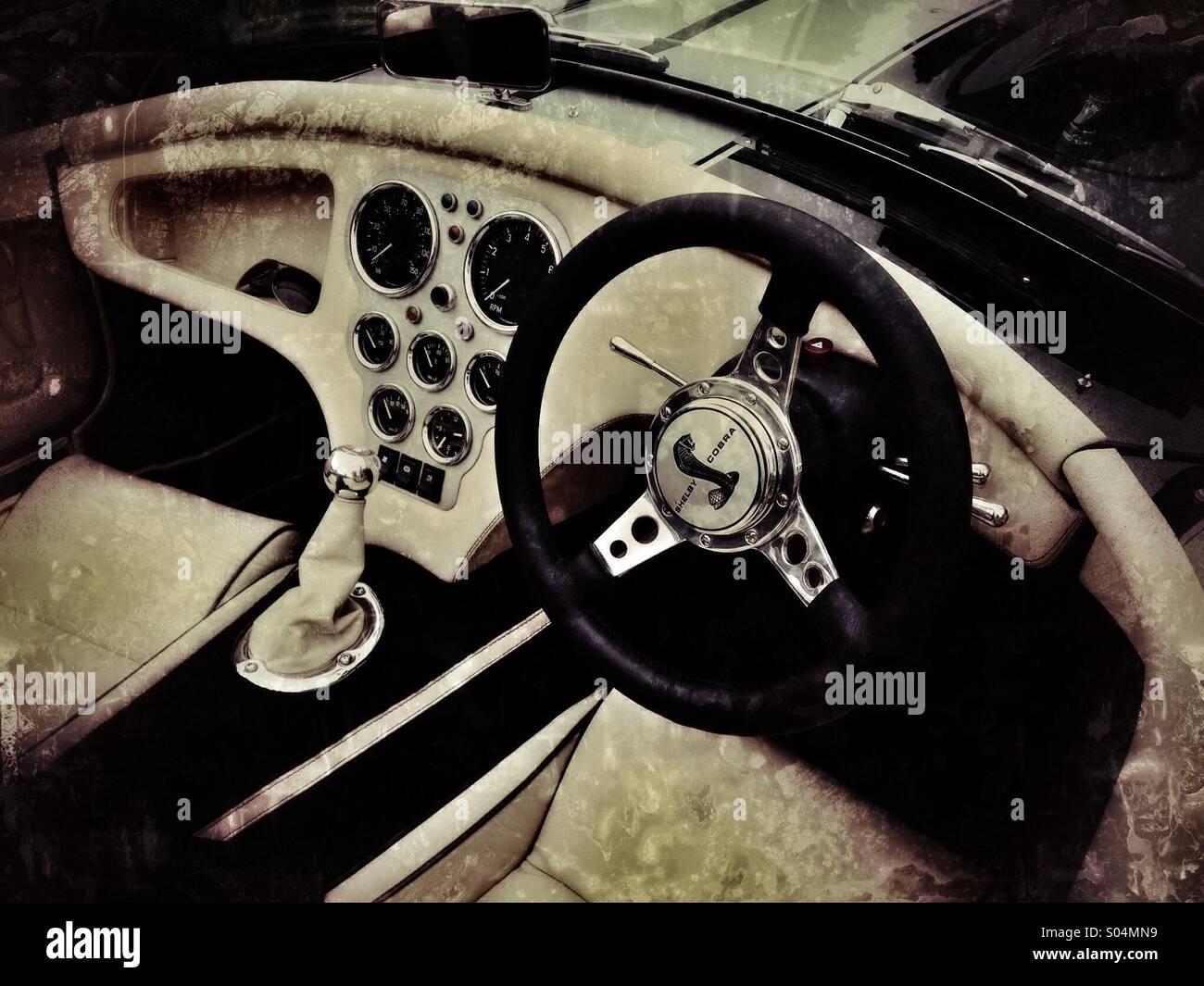 Shelby Cobra Interieur Stockfoto, Bild: 309890709 - Alamy
