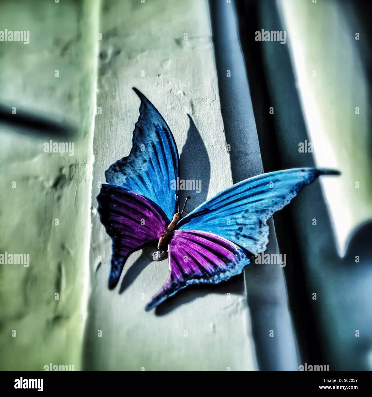 Schmetterling Skulptur Dekoration einer Wand Stockbild