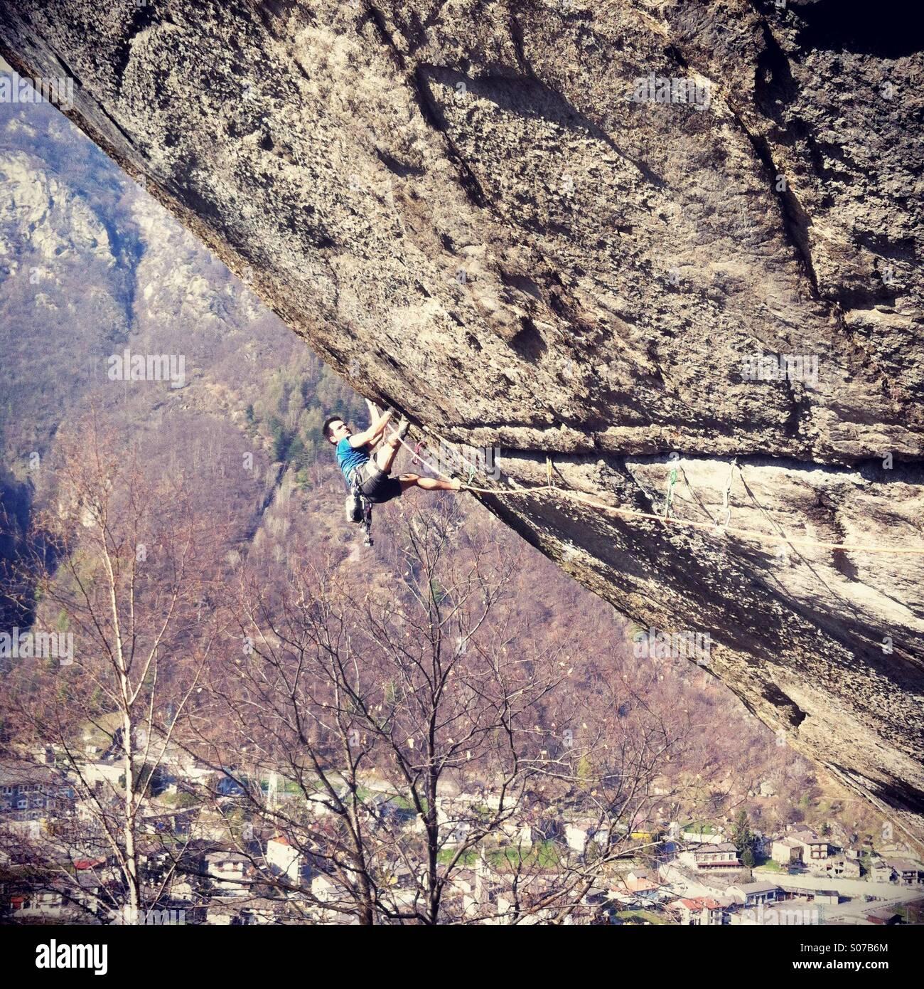 96bbea9ee8f000 Ein Mann Klettern auf der Route