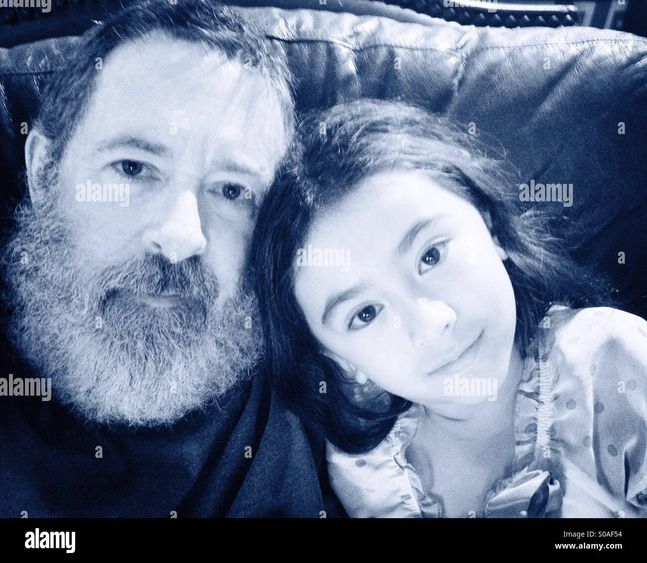 Vater und Tochter Selfie. Stockbild