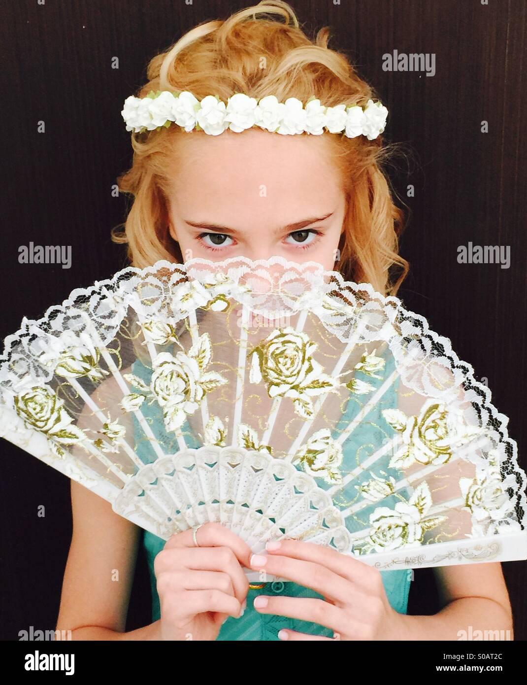 Meine Tochter gekleidet für eine Hochzeit Stockbild