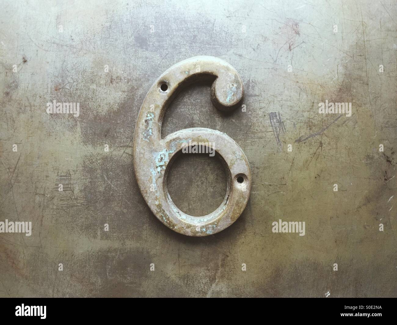 Rostigen Metall Ziffer 6 Stockbild