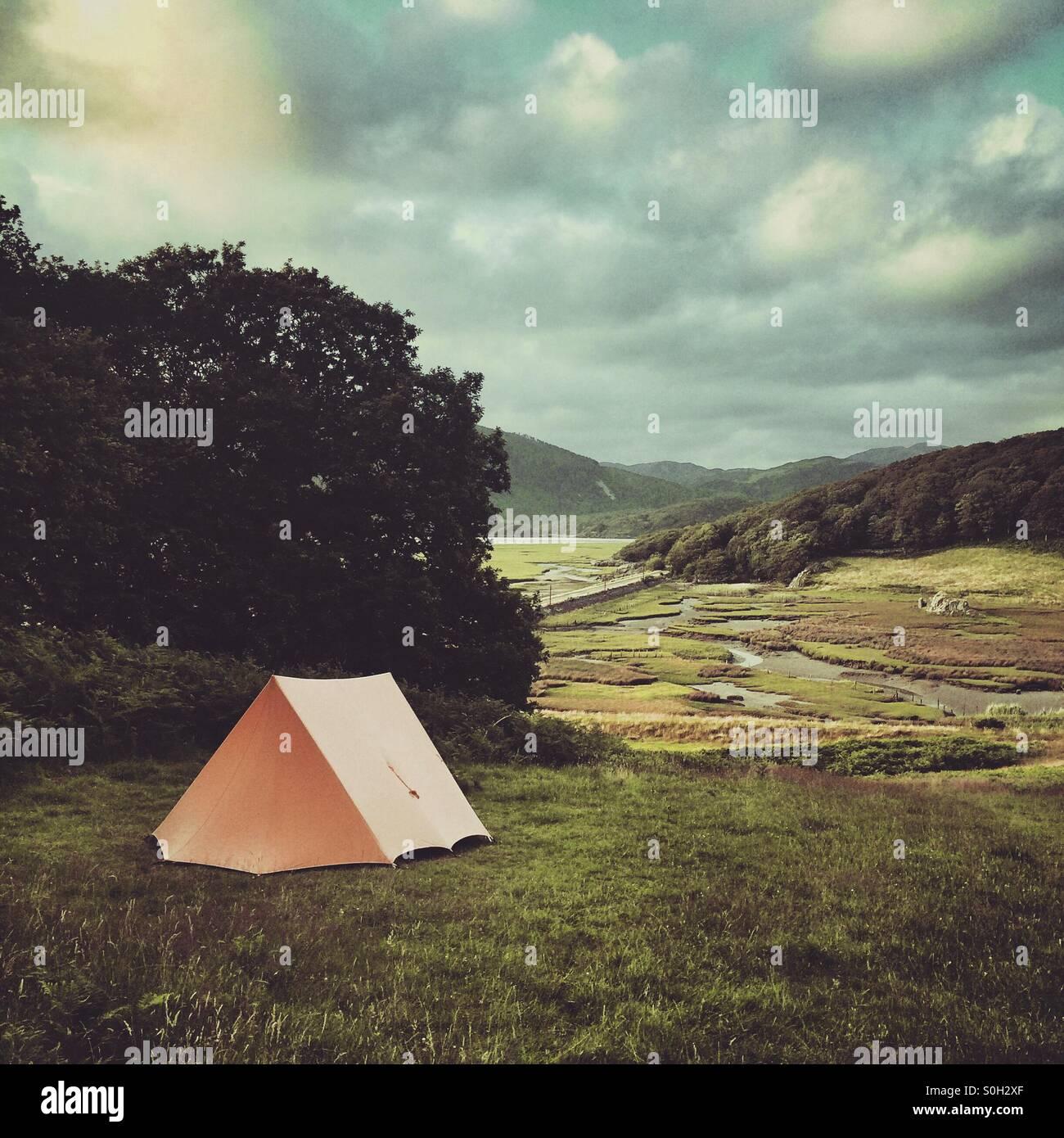 Camping in der freien Natur Stockbild