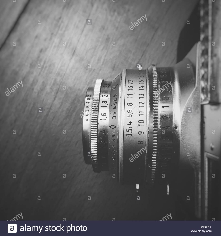 Kamera in schwarz / weiß Stockbild