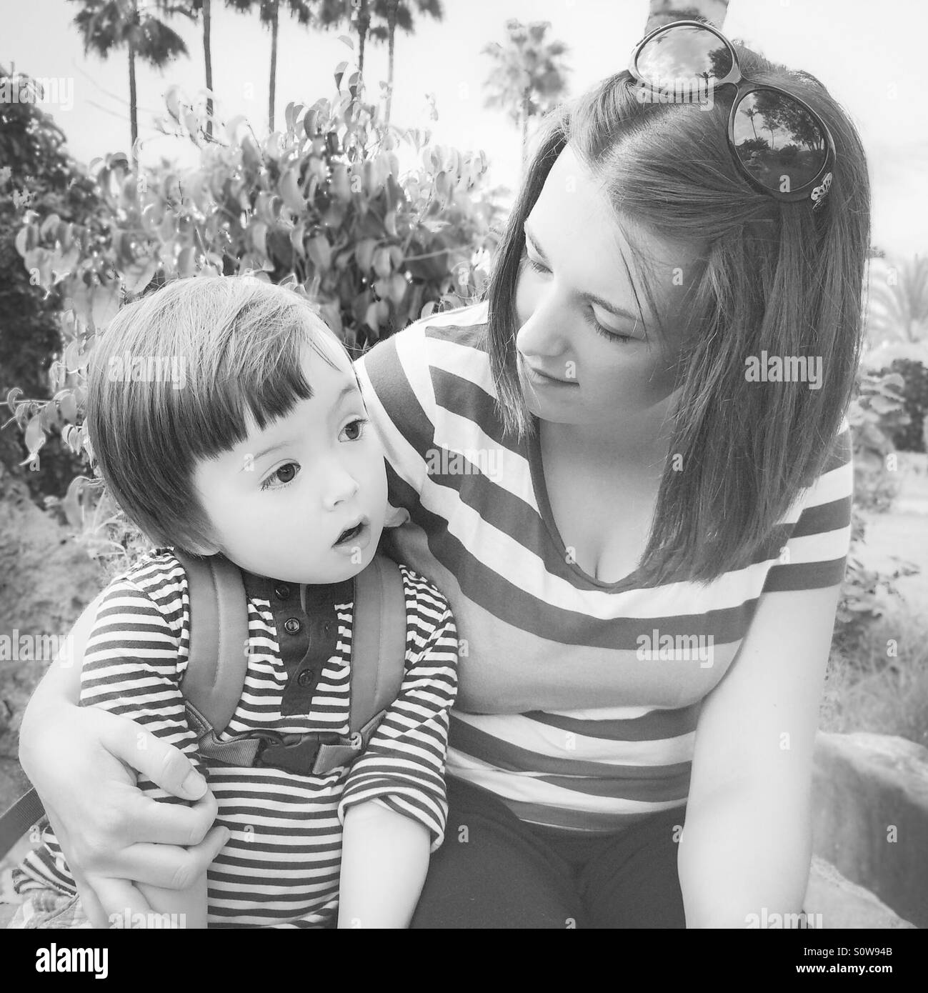 Mutter mit ihrem kleinen Sohn Stockbild