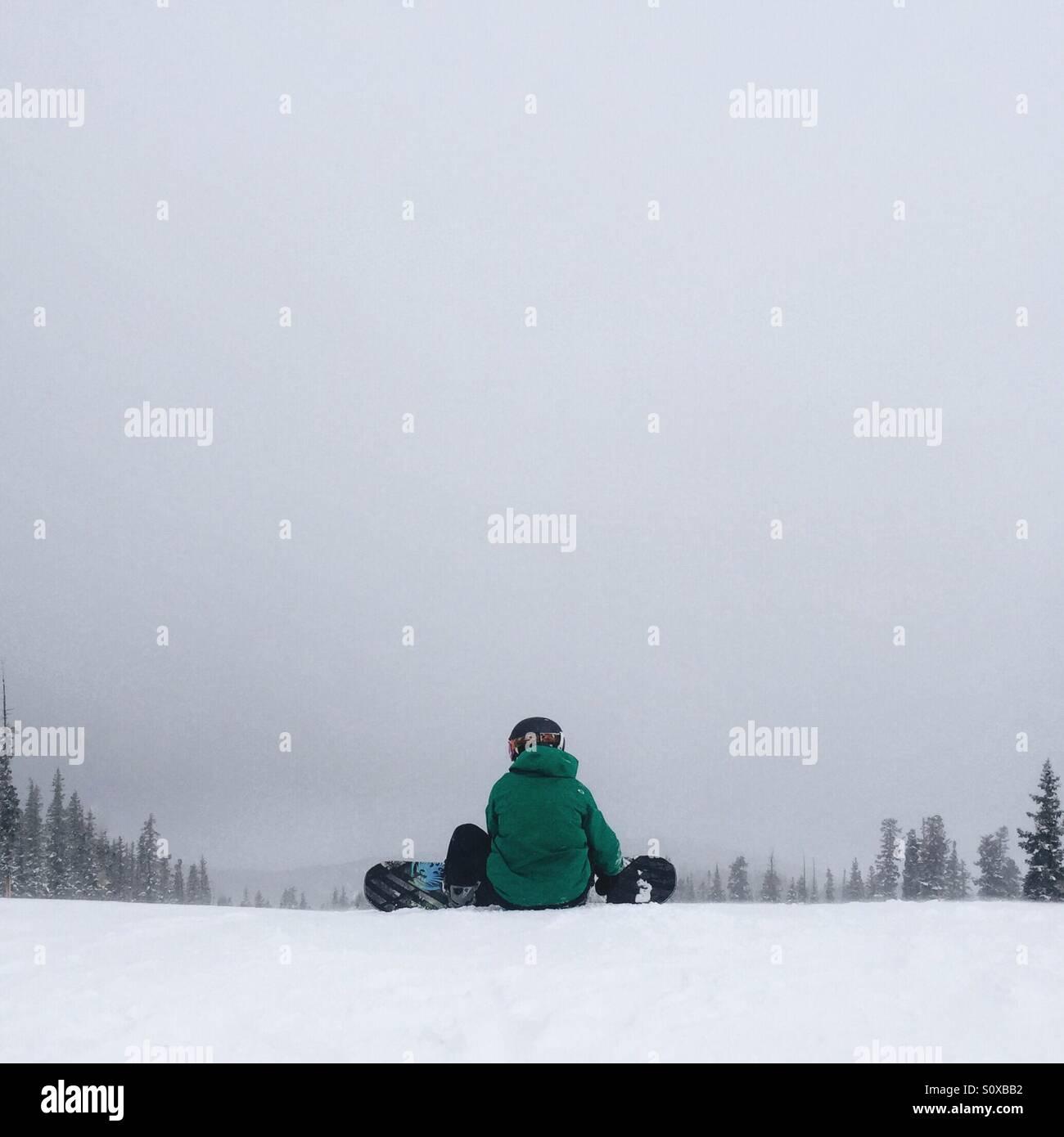 Snowboarder vorbereiten Stockbild