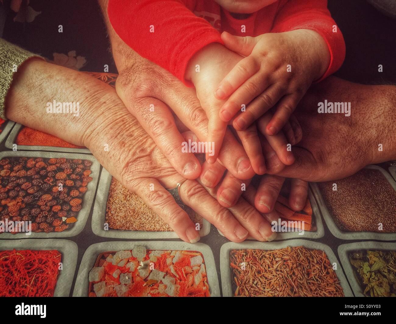 Drei Generationen Hände Stockbild