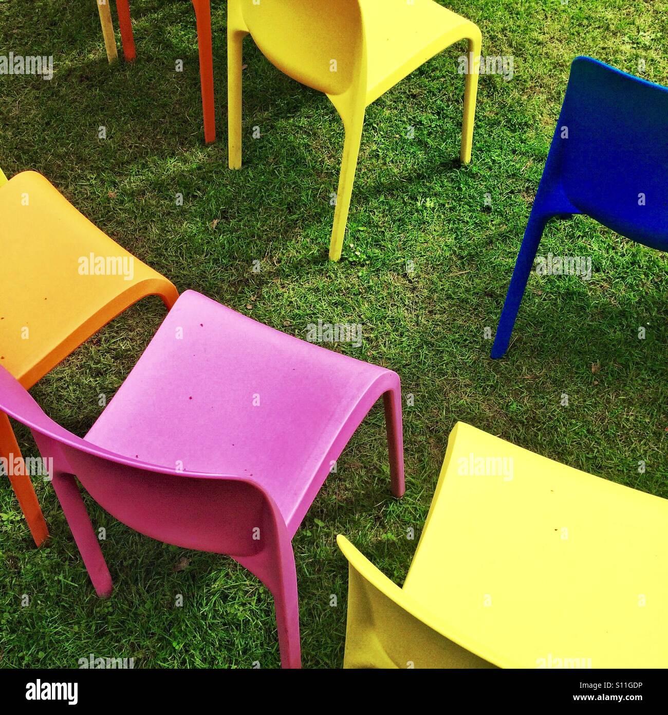 Sitzgelegenheiten im freien Stockbild