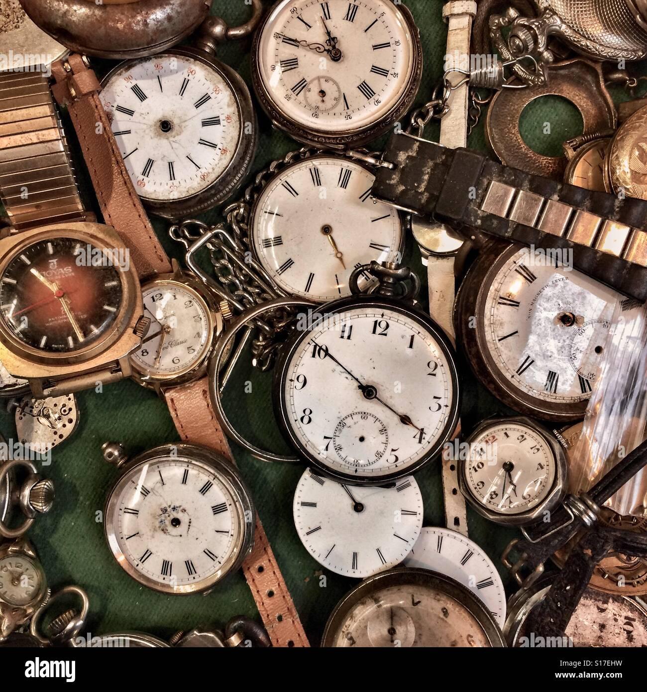 Alte Uhren-Kollektion Stockbild