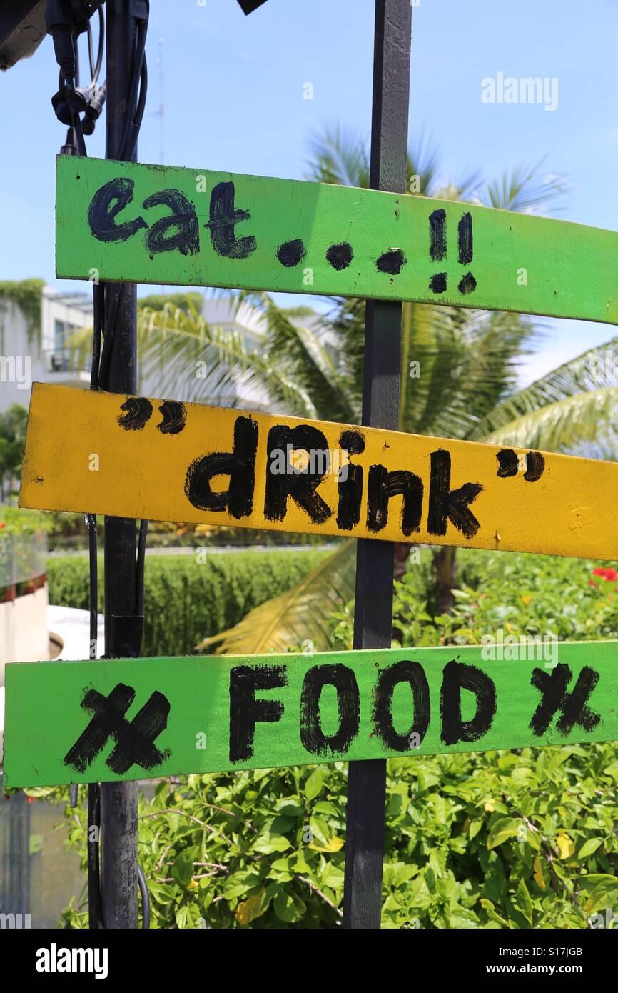 Essen, trinken, Essen Stockbild