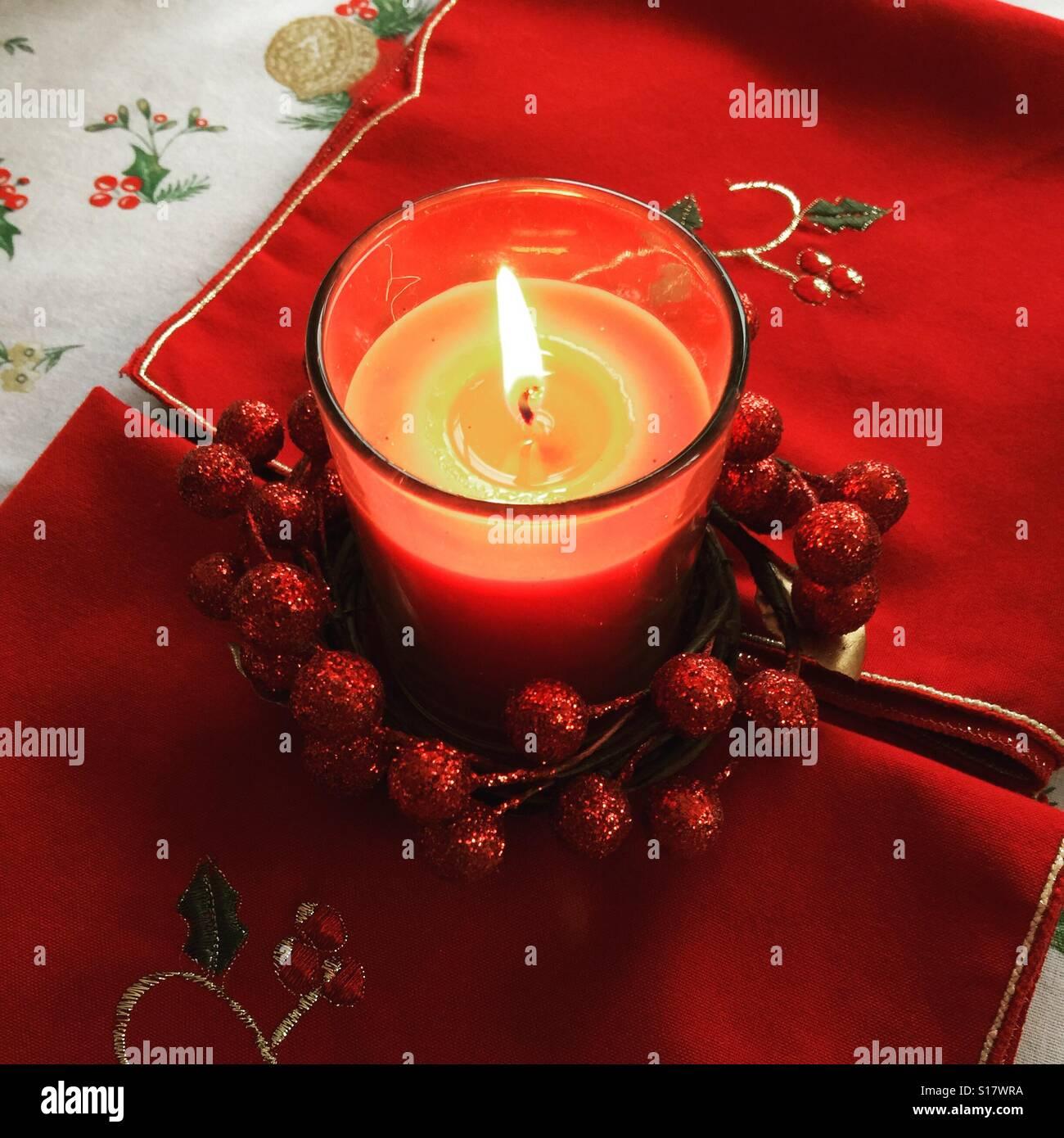 Kerze an Weihnachten Stockbild