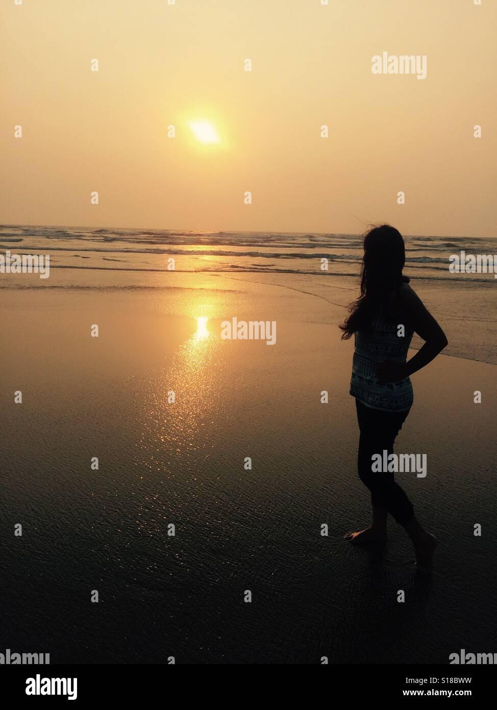 Sonnenuntergänge sind immer magisch - sie machen immer fühlen Sie sich glücklich und traurig beide Stockbild