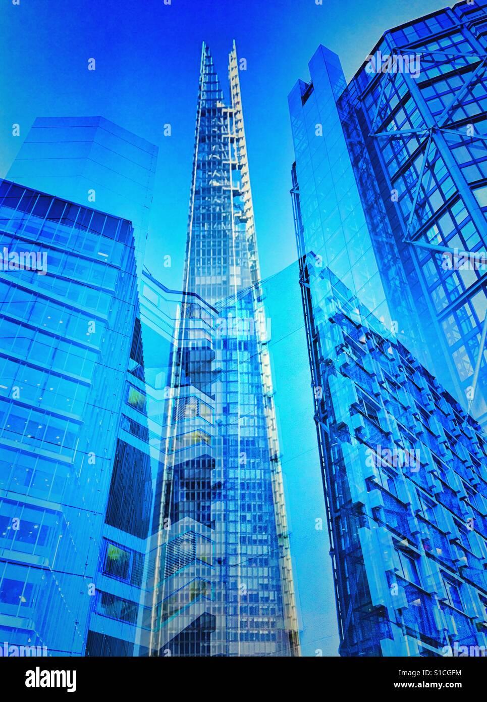 Die Scherbe und andere Gebäude in London als ein abstraktes Bild gezeigt Stockbild