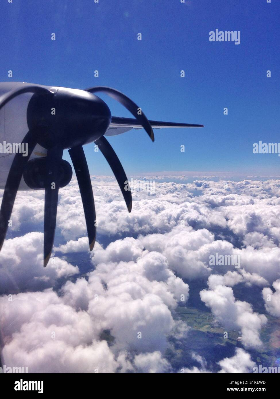 Rotierenden Propellerblätter gesehen verzerrt von innen mit dem iPhone gemacht. Stockbild