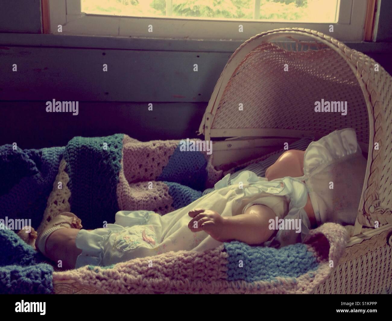 Dont wake das baby! doris die zusammensetzung puppe tragen rüschen