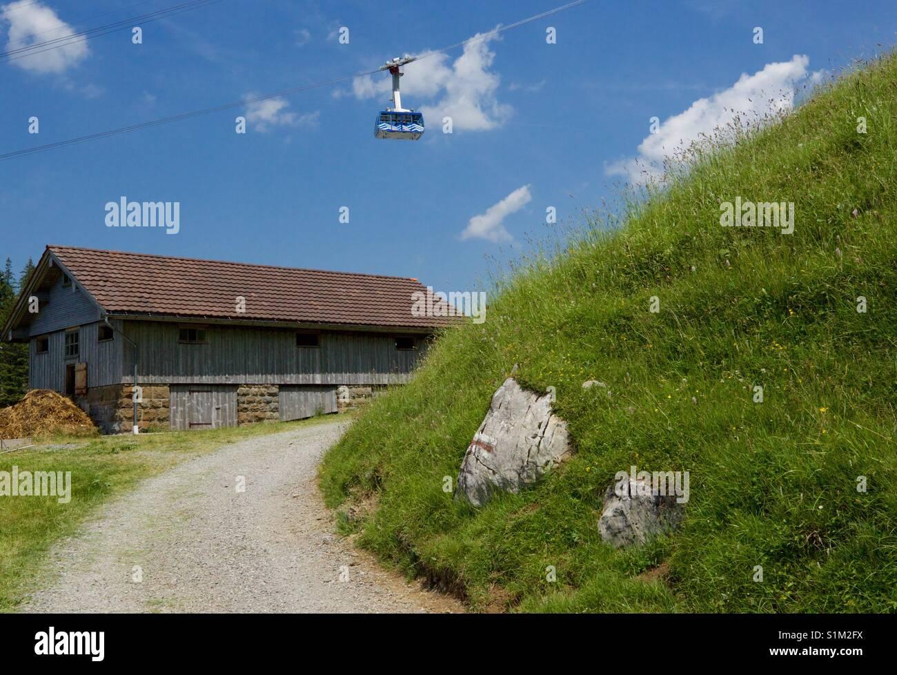 Gondel über Santis Säntis in der Schweiz Stockbild