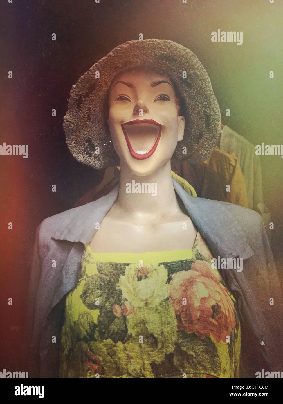 Spaß Lachen weibliche Schaufensterpuppe Stockbild
