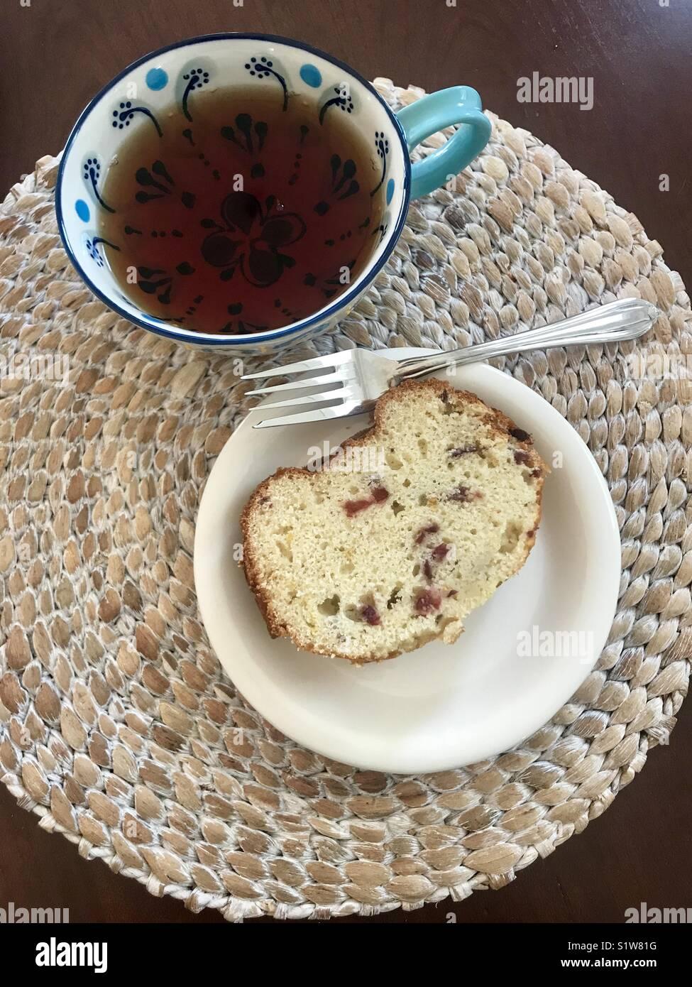 Cranberry Tee und Brot. Stockbild