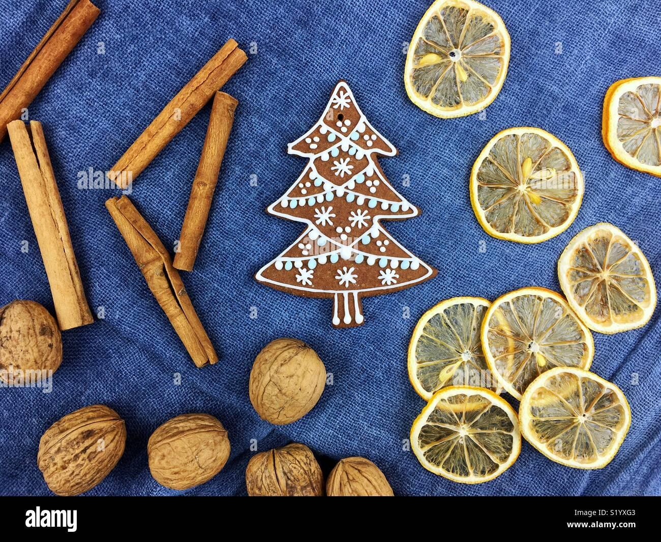 Lebkuchen Weihnachtsplätzchen Dekoration Stockbild