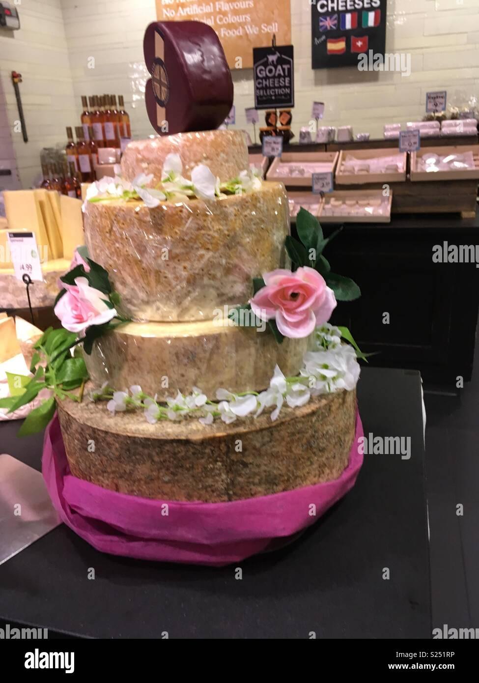 Cheesy Hochzeitstorte Stockfoto Bild 311127146 Alamy