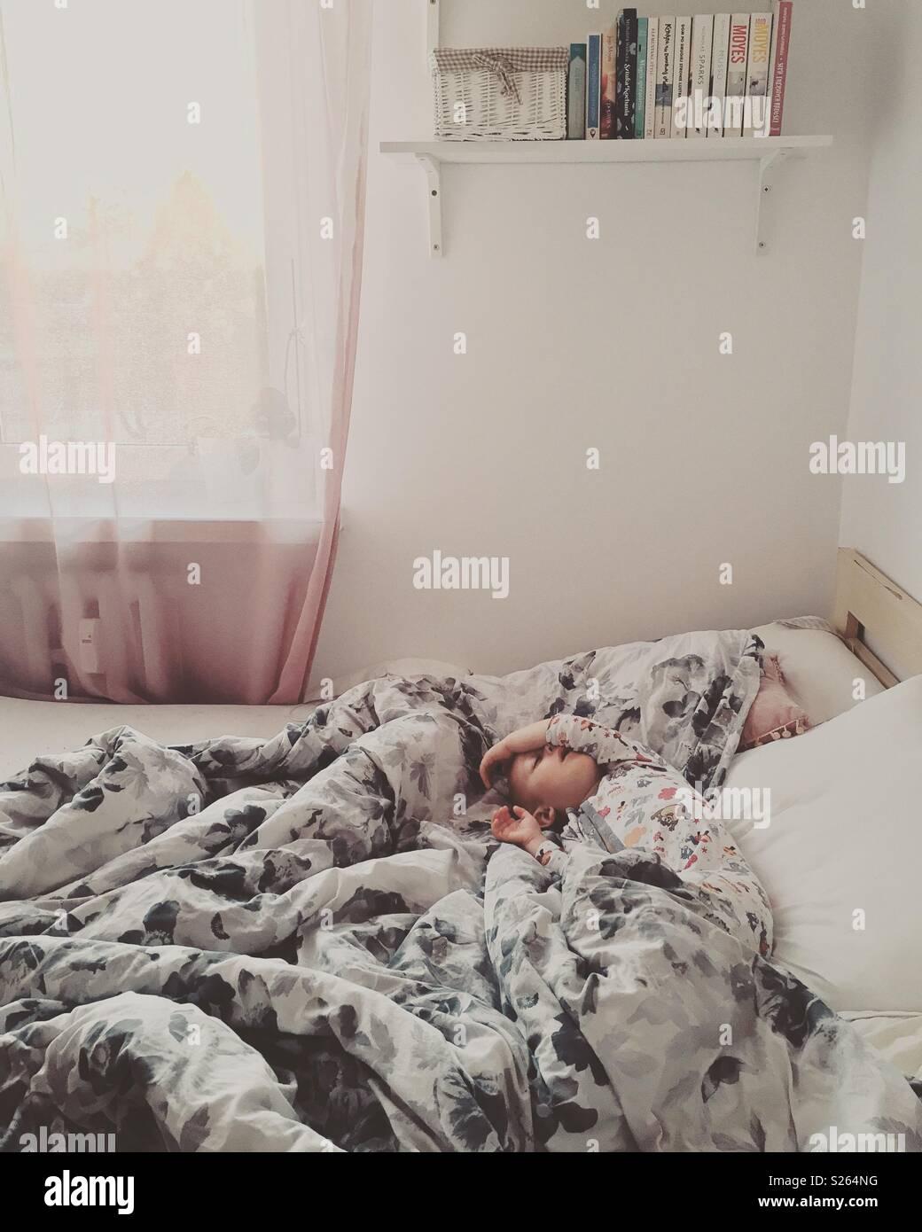 Süße Träume Kind schlafen Stockbild