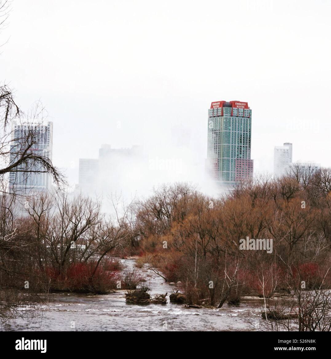 Dies ist ein Foto der Nebel über Niagara Falls Stockbild
