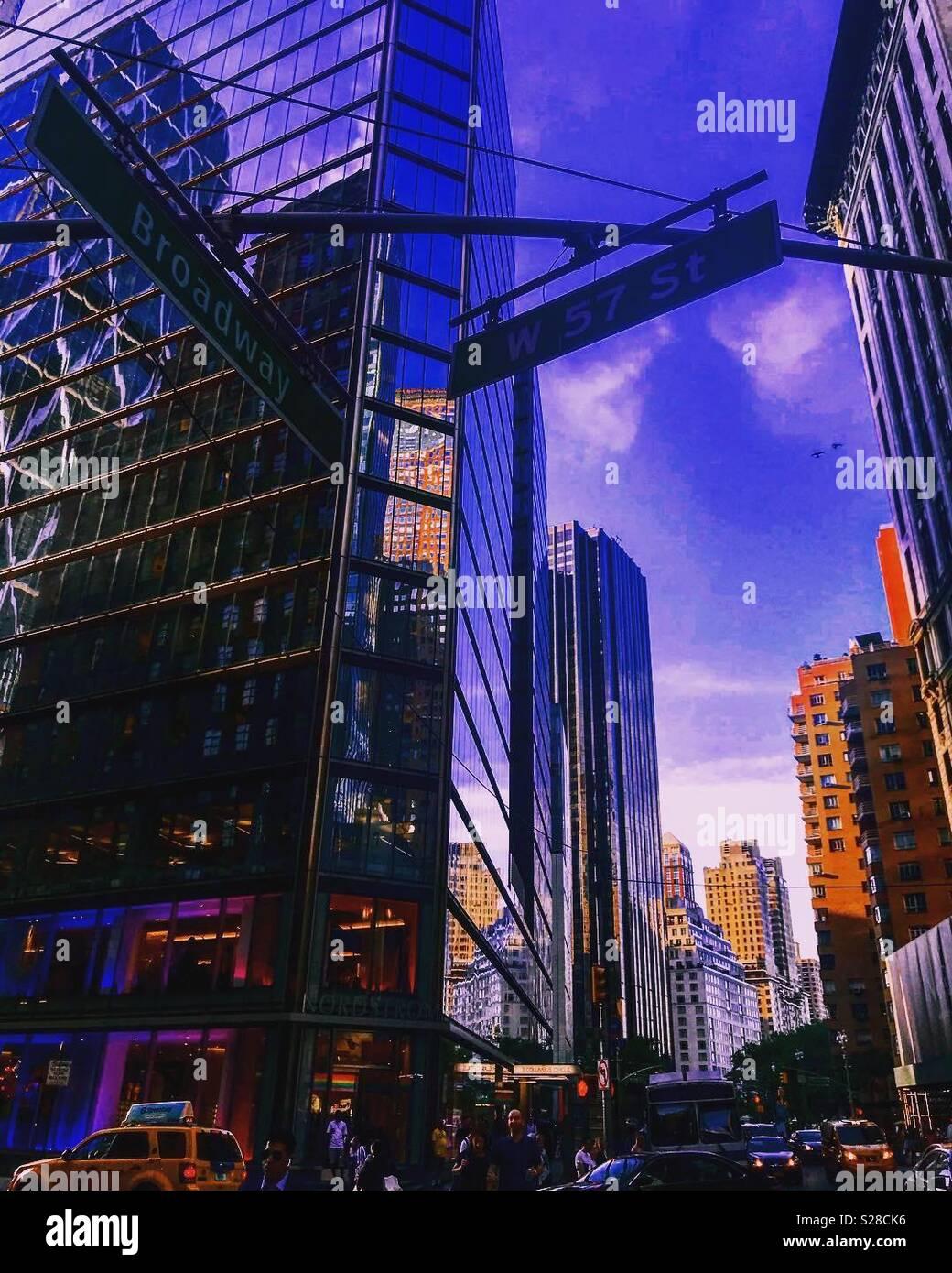 57Th und Broadway - NYC Stockbild