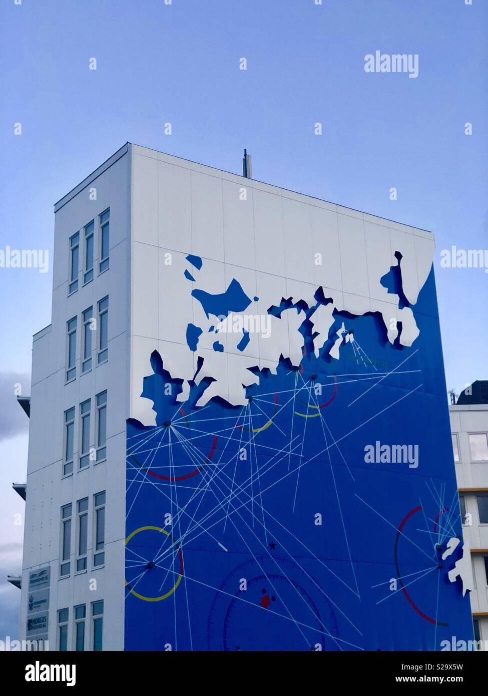 Stilvolle Gebäude in Leknes (Lofoten, Norwegen). Stockbild