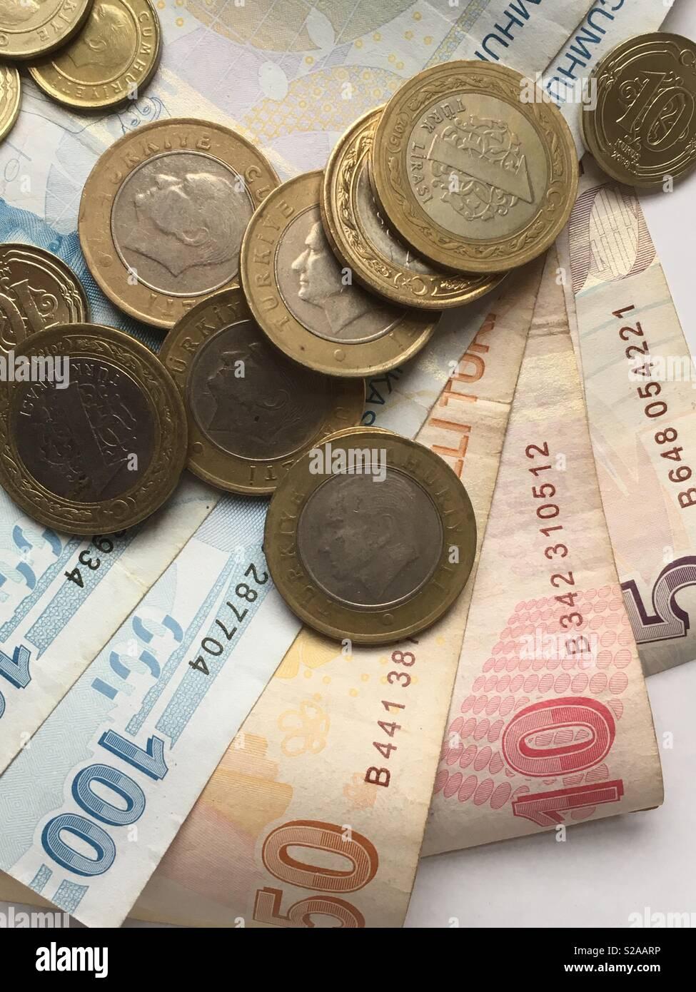 Neue Türkische Lira Banknoten Und Münzen Stockfoto Bild 311243962
