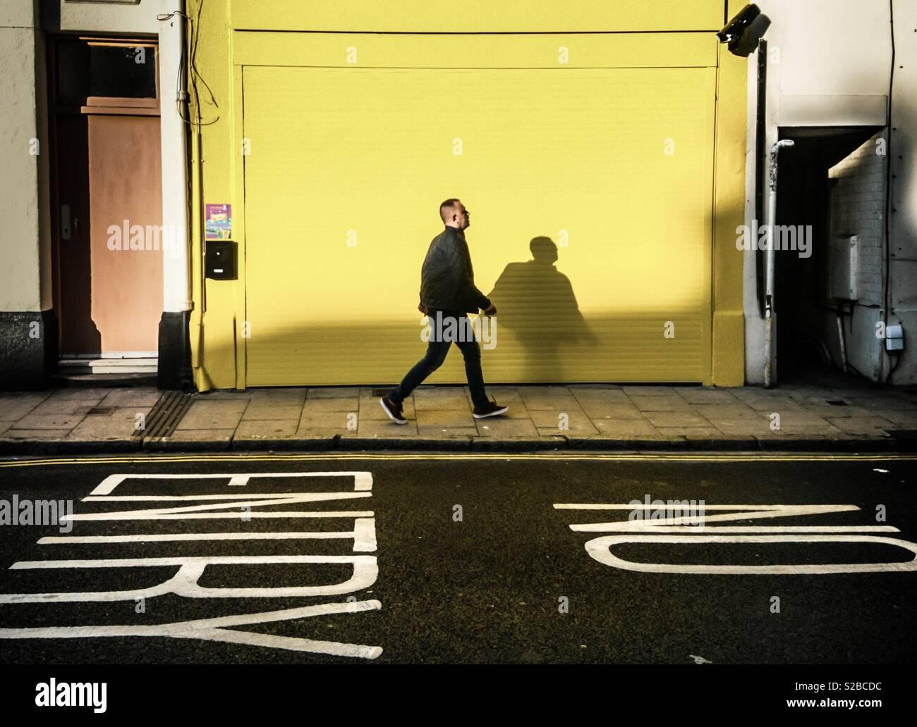 Gelbe Shutter Stockbild