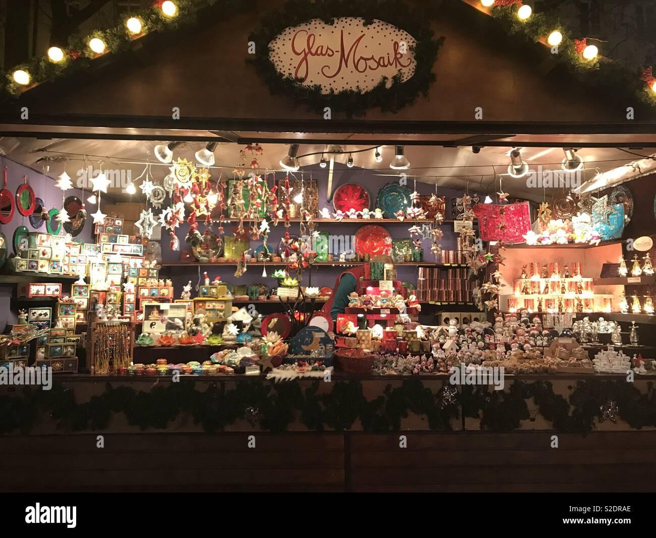 Weihnachtsmarkt Bonn.Weihnachtsmarkt Bonn Deutschland Stockfoto Bild 311319638 Alamy