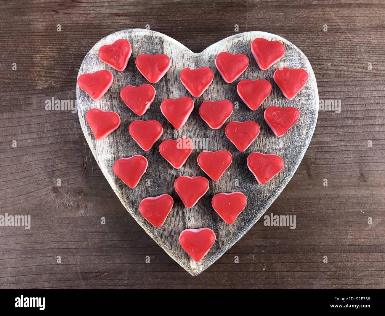 Nur die Liebe mit weichen, roten Herzen Stockbild