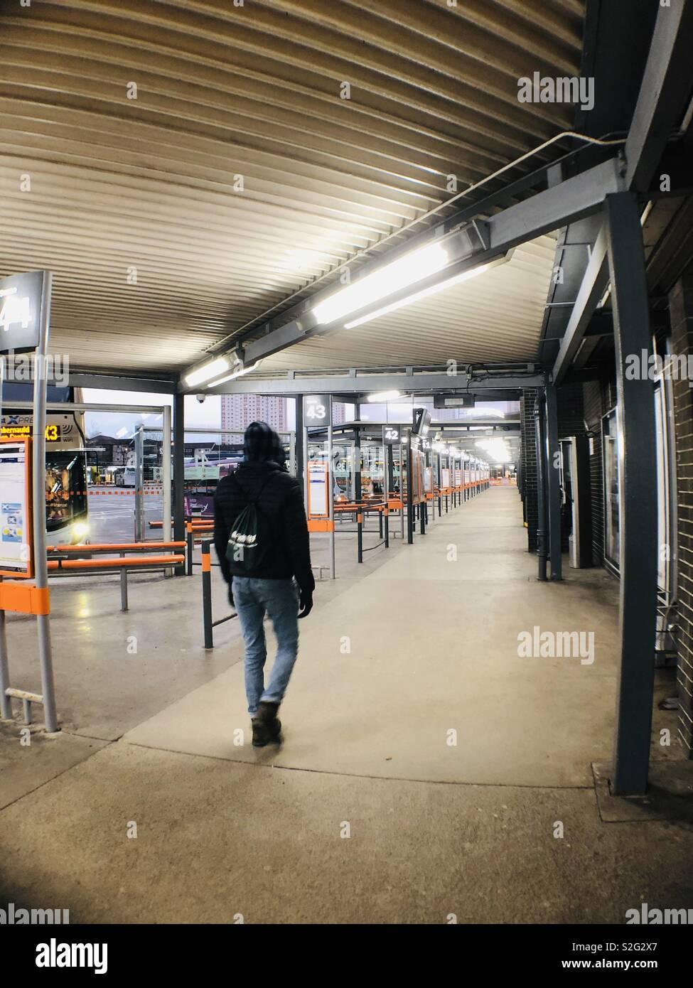 Am frühen Morgen, Buchanan Street Busbahnhof, Glasgow, Schottland, Vereinigtes Königreich. Stockbild