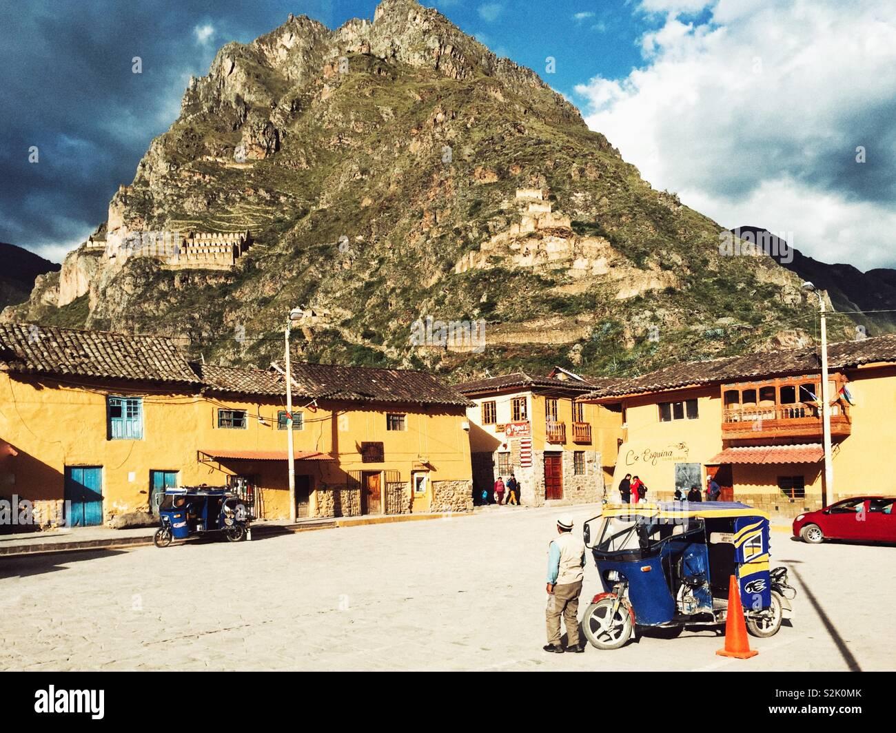 Central Plaza und antiken Stadt Ollantaytambo im Heiligen Tal, Peru Stockbild
