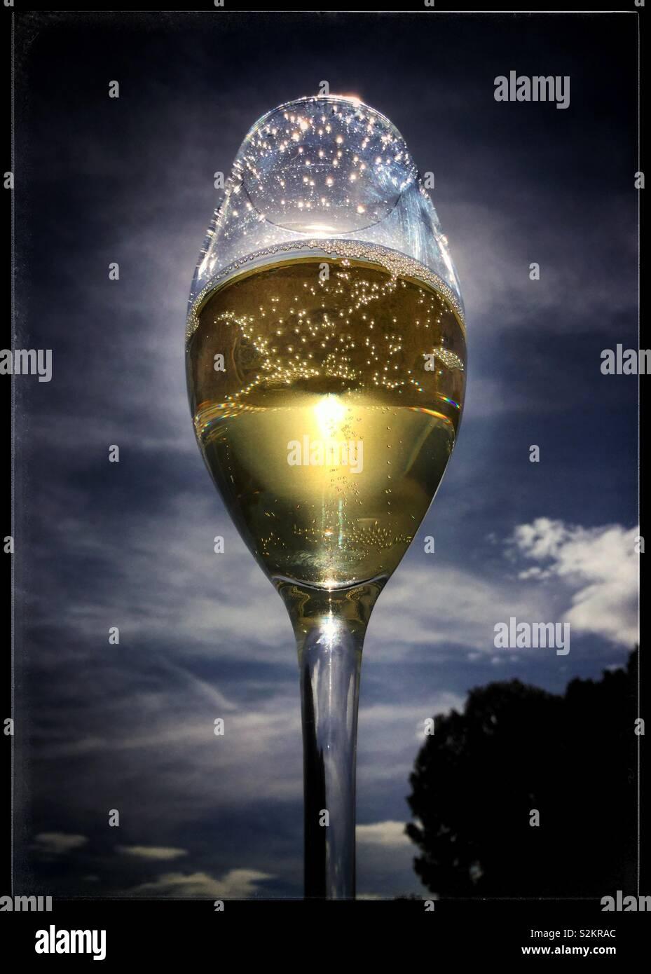 Ein Glas Sekt, Katalonien, Spanien. Stockbild