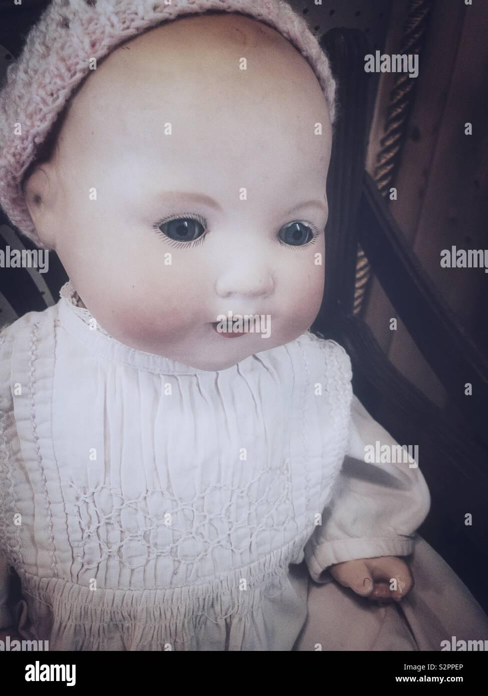 Das alte Kind Puppe. Stockbild