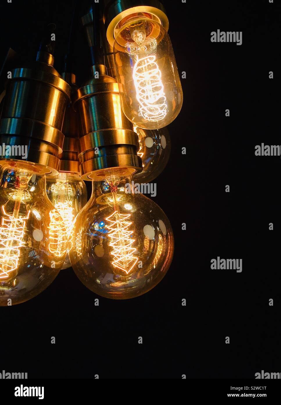 Beleuchtete Vintage Style Glühbirnen Stockfoto