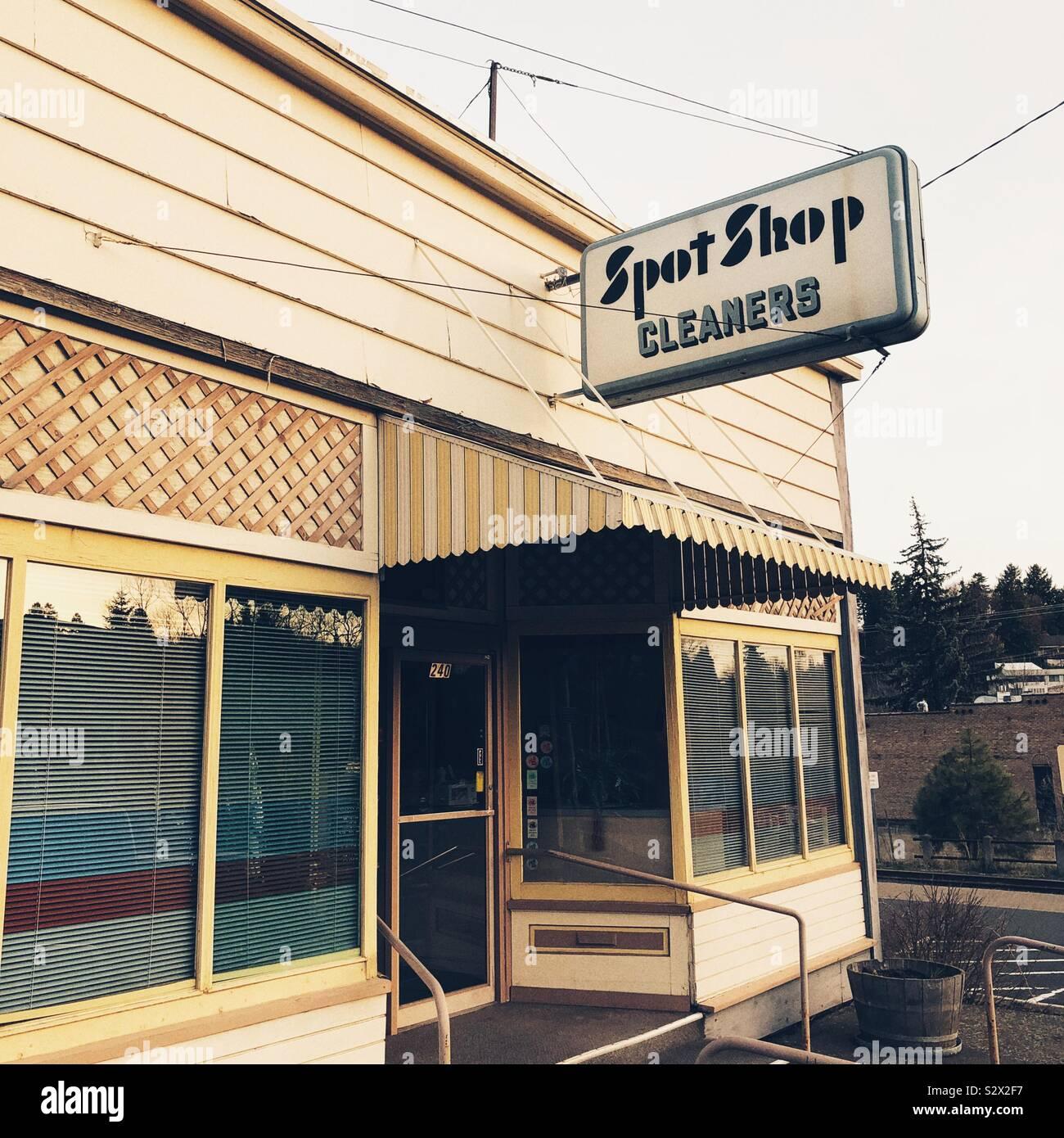 Der kleinen Stadt Amerika Reiniger Zeichen Stockfoto