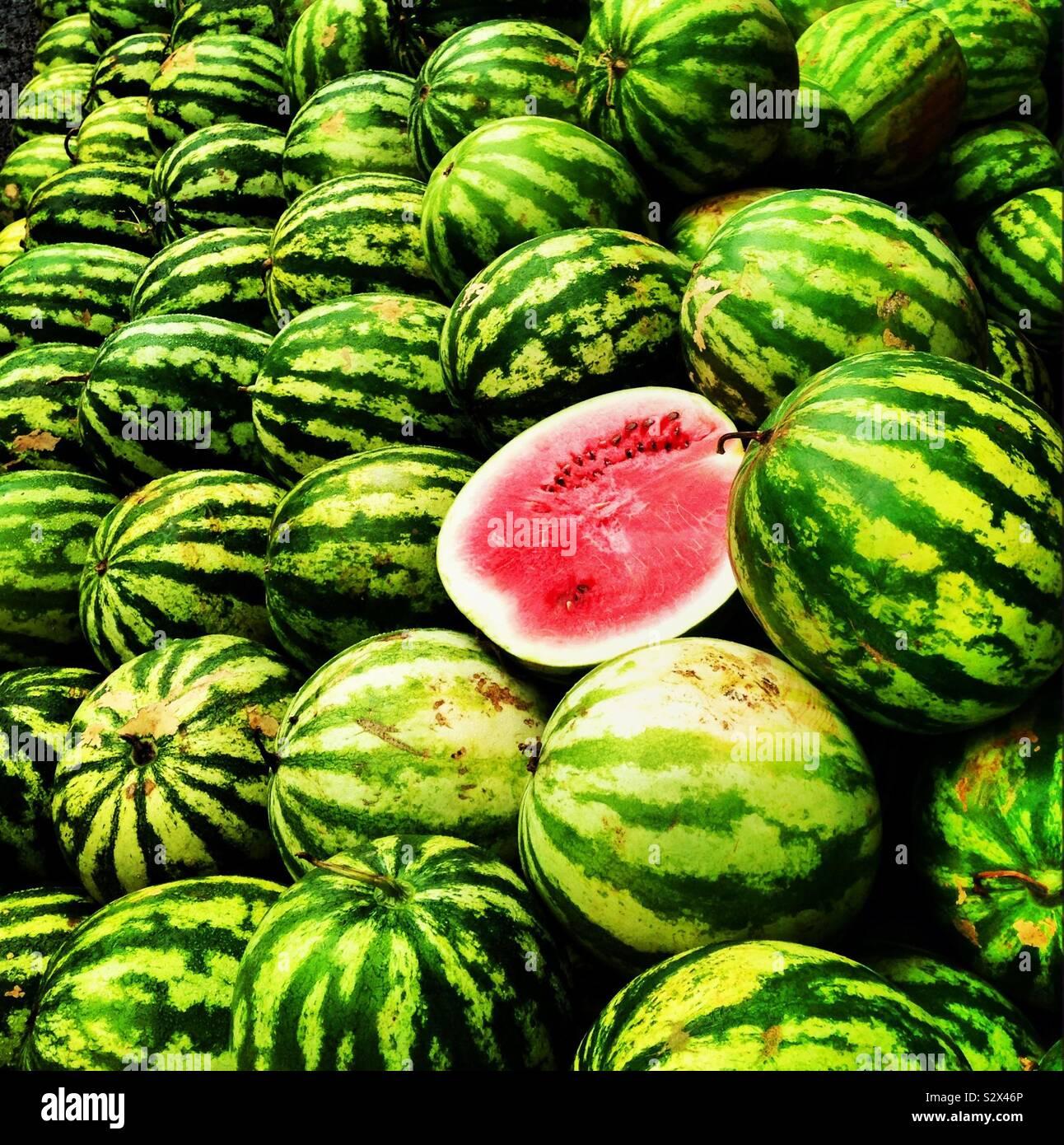 Wassermelonen in einer Straße Markt Stockfoto