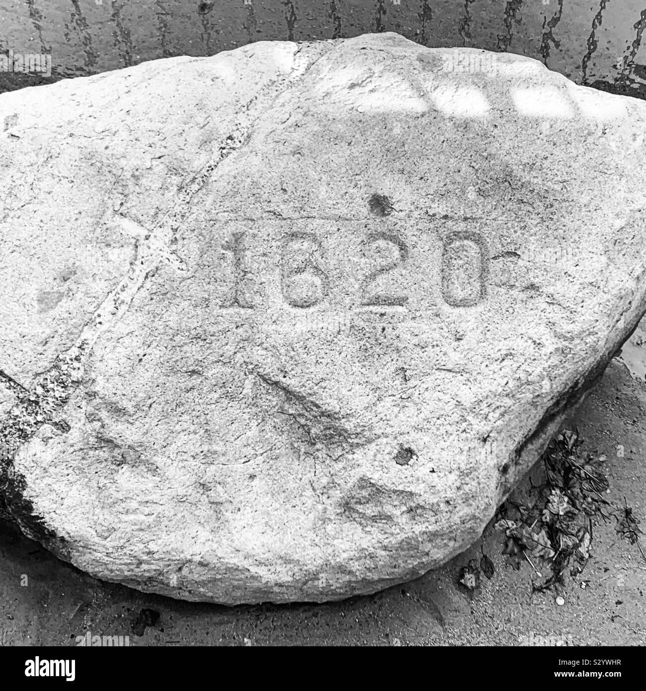 Schwarz-weiß Bild von Plymouth Rock, Pilgrim Memorial State Park, Plymouth, Massachusetts, Vereinigte Staaten von Amerika Stockfoto