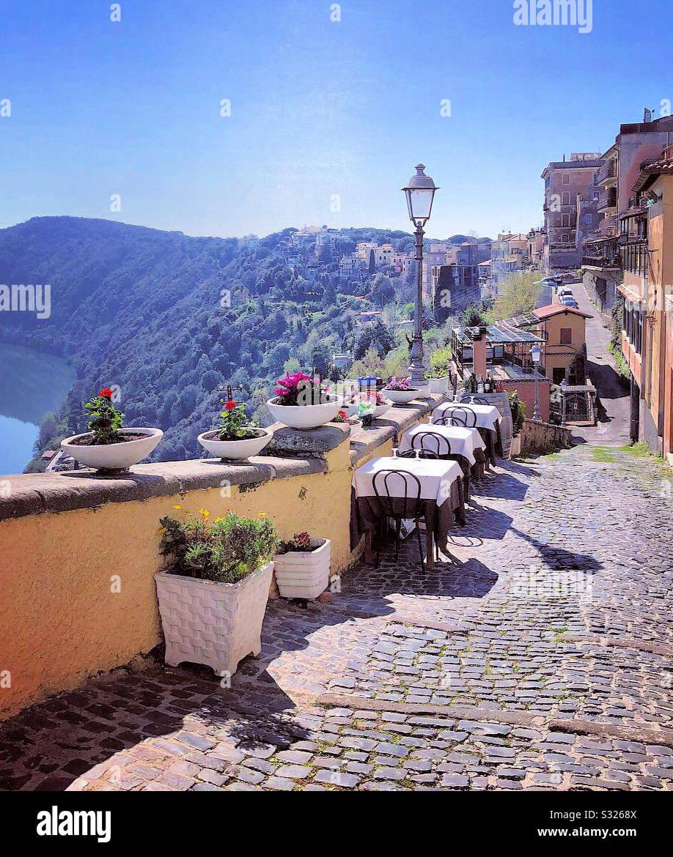 Castel Gandolfo, Italien im Frühling Stockfoto