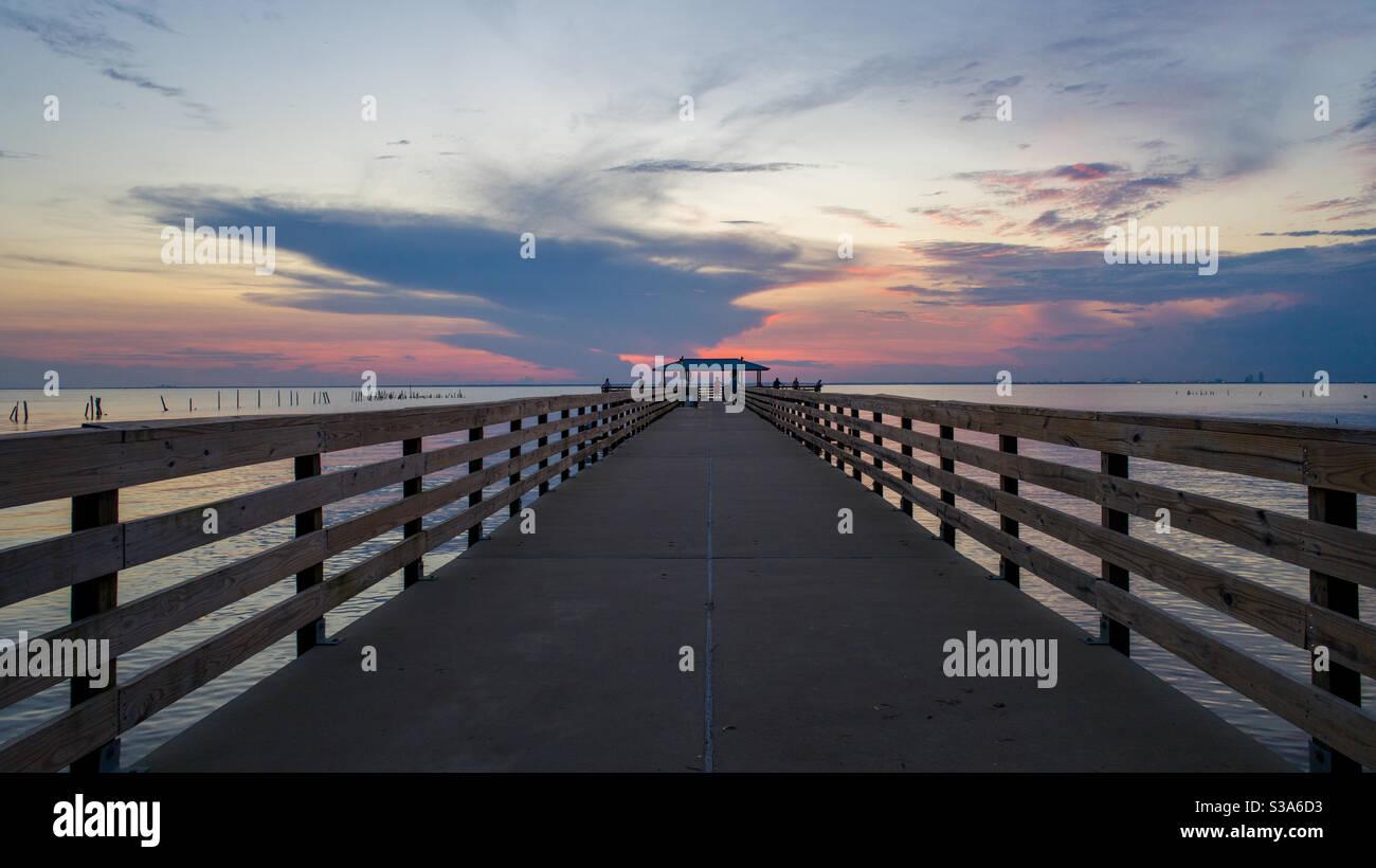 Mayday Park Pier bei Sonnenuntergang Stockfoto