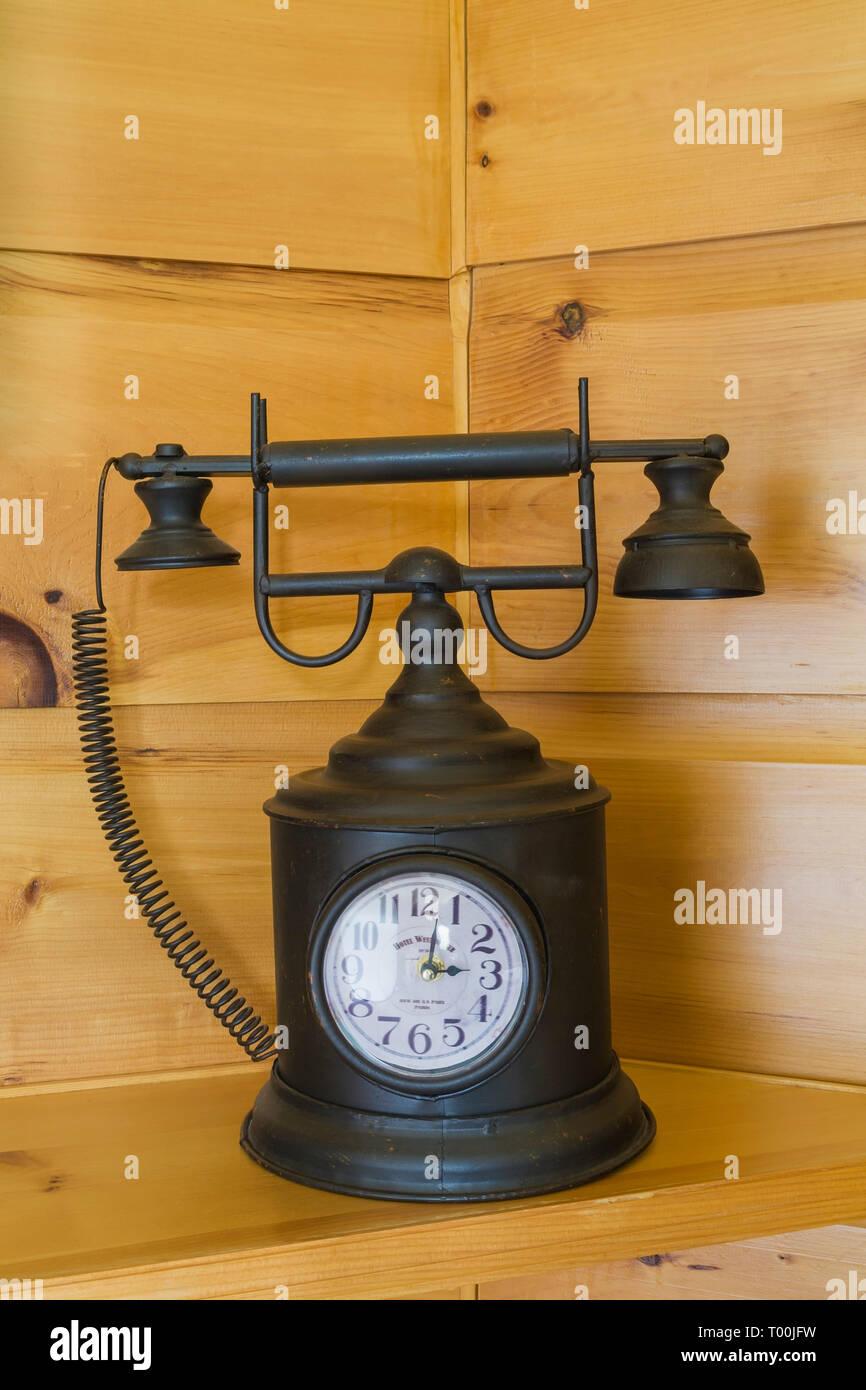 Schwarz Dekorative Metall Antik Telefon Mit Integrierter Uhr