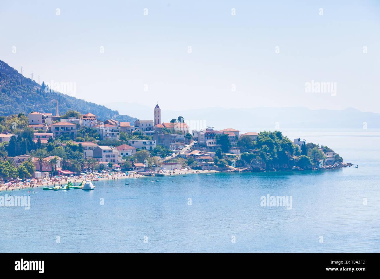 Korcula, Dalmatien, Kroatien, Europa - August 24, 2017 - Luftbild nach Baden in der Bucht von Vela Luka Stockfoto