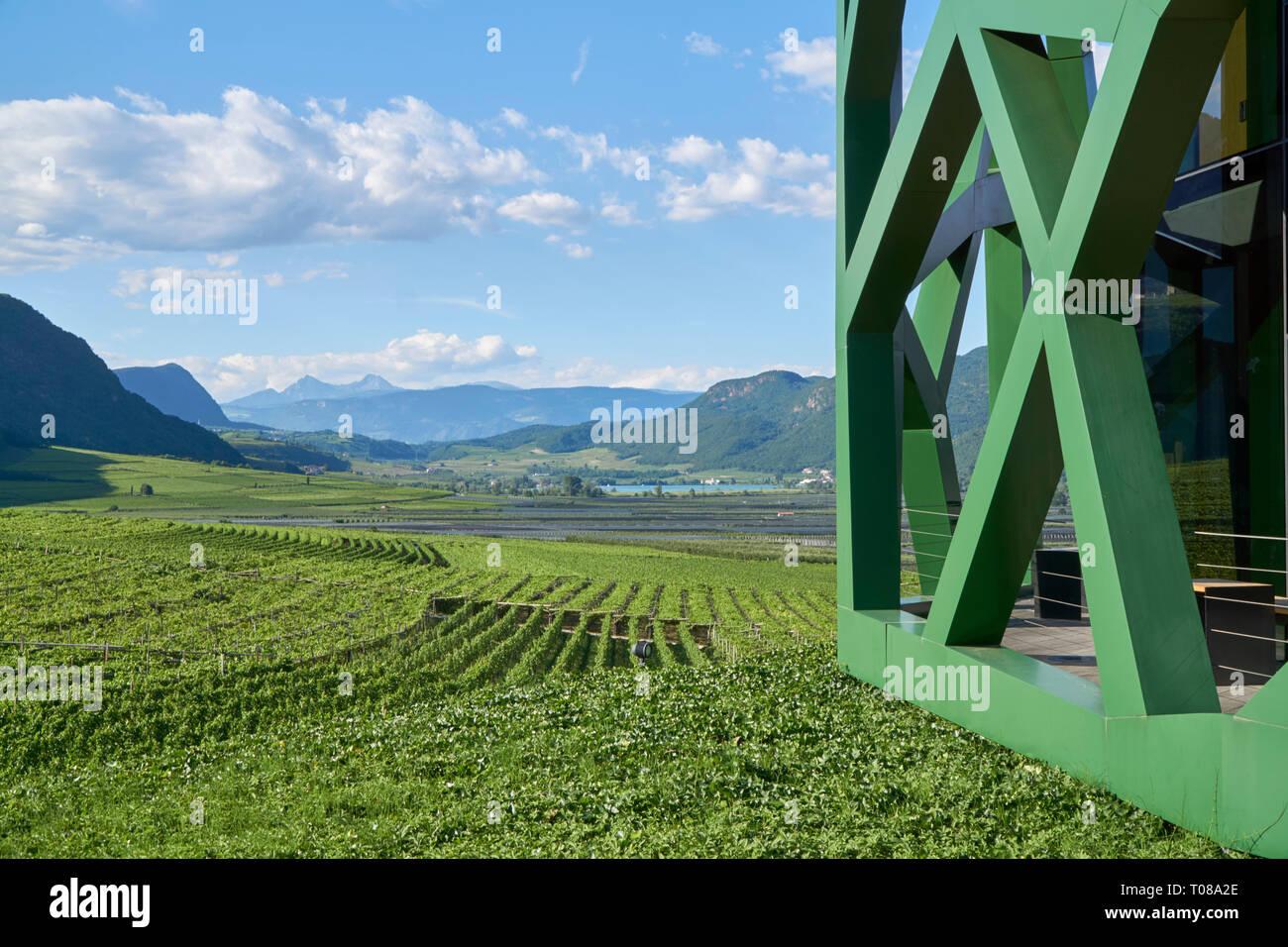 Winzergenossenschaft Tramin, Südtirol Stockbild