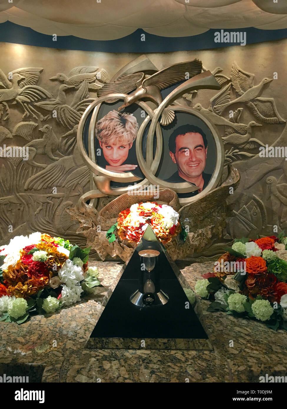 England, London: Prinzessin Diana und Dodi al Fayed Memorial im Kaufhaus Harrods Stockbild
