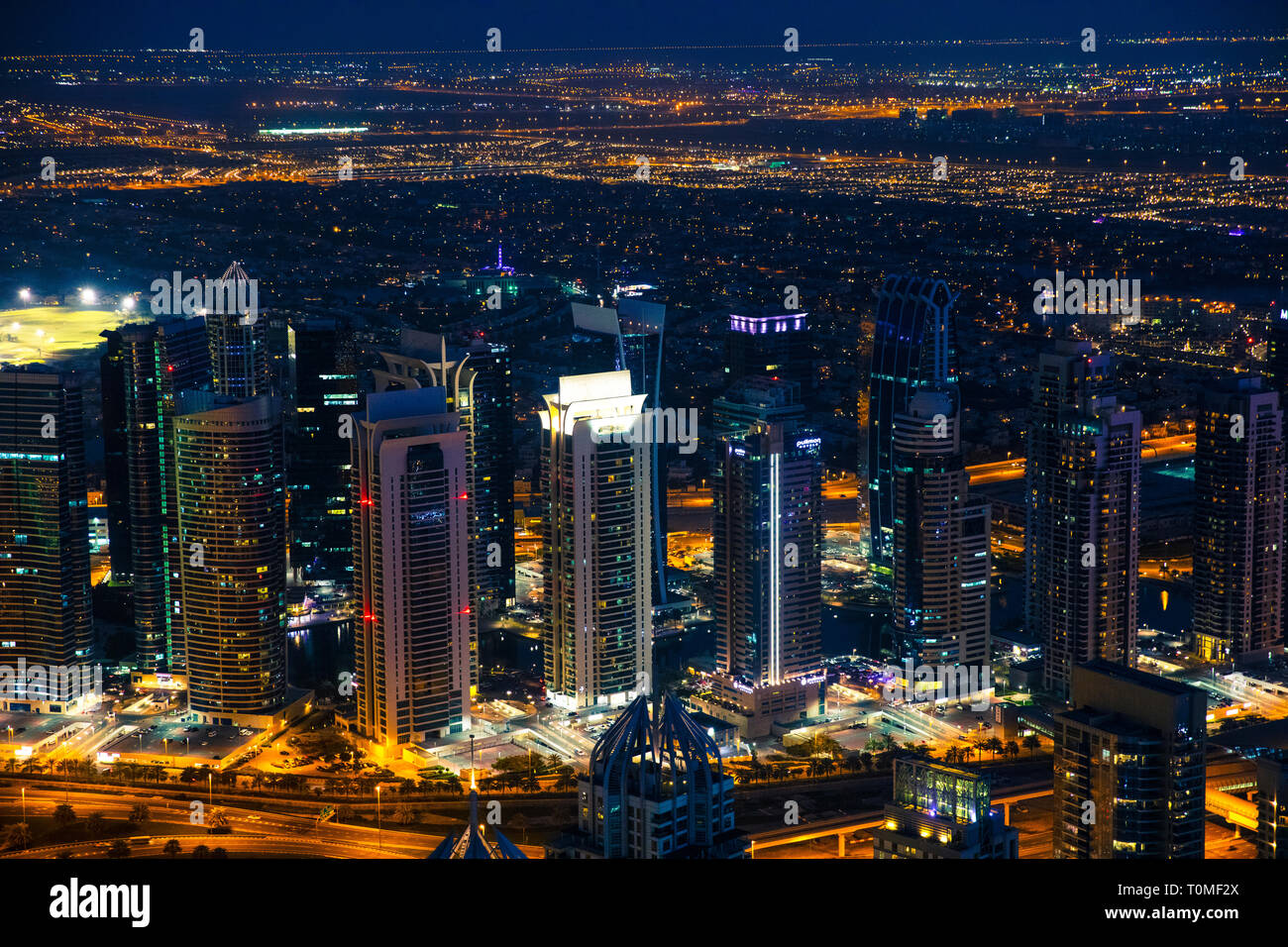 Dubai bei Nacht, Vereinigte Arabische Emirate Stockfoto
