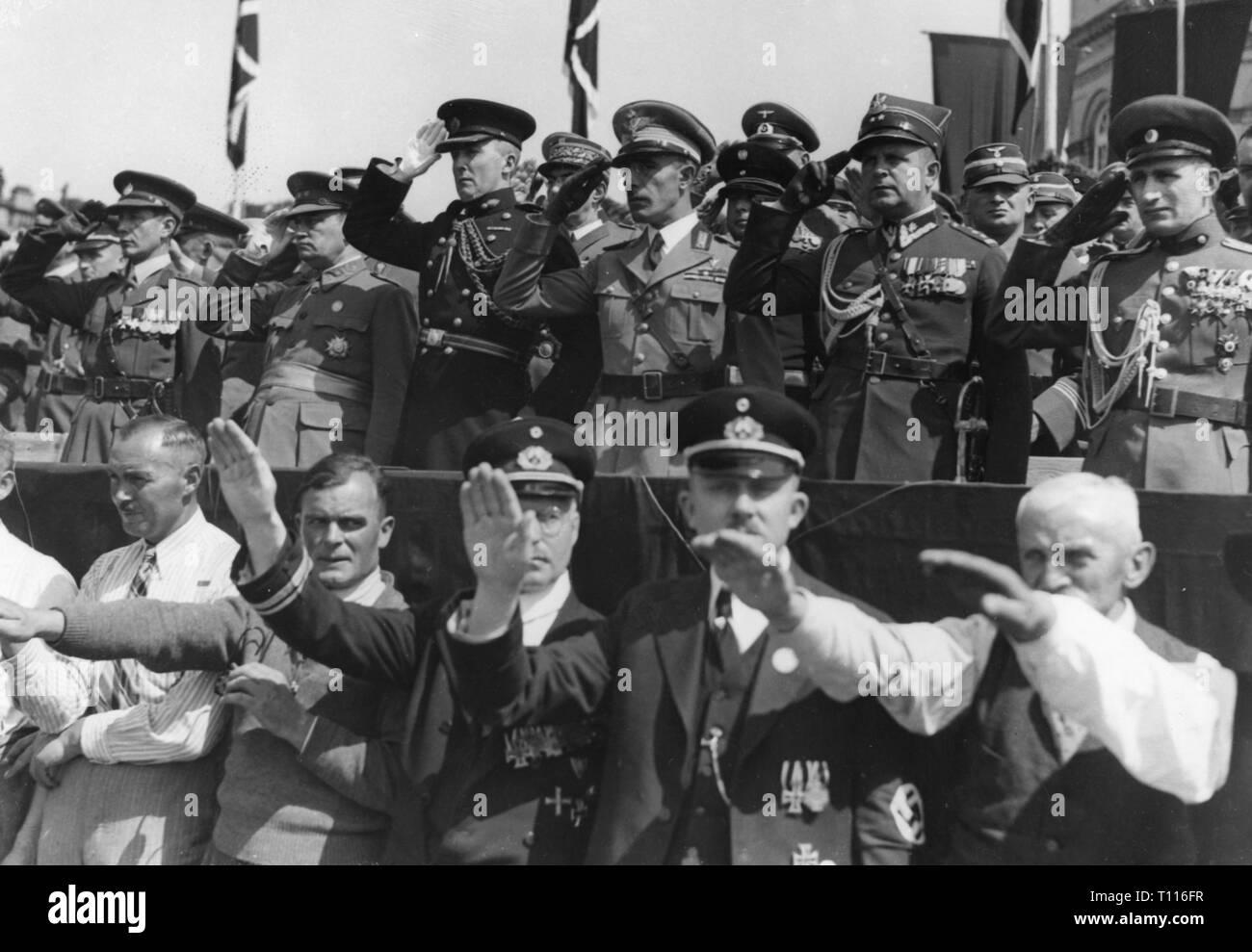 Nationalsozialismus / Nationalsozialismus, Events, Reichs Krieger Tag in Kassel, stand mit ausländischen Offiziere, später 1930er Jahre, Additional-Rights - Clearance-Info - Not-Available Stockbild